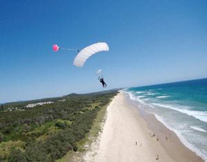 Skydiving Coolum - Tandem Skydive 10,000ft