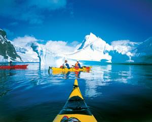 Antarctic Expedition Exploring the Antarctic Peninsula