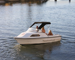 Boat Hire, Full Day Cruiser Hire for 6 - Gold Coast