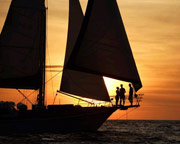 Champagne Twilight Sailing Experience - Perth