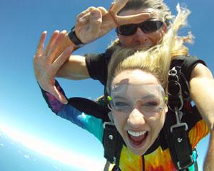 Skydiving Coolum - Tandem Skydive 15,000ft WEEKDAY SPECIAL