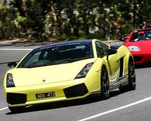 Lamborghini and Ferrari 1 Hour Drive and Dine - Yarra Valley