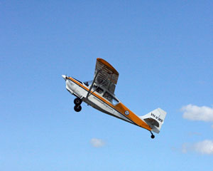 Flying Lesson with Aerobatics, 30 minutes - Gympie