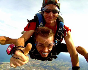 Skydiving Great Ocean Road (Torquay) - Tandem Skydive 14,000ft WEEKDAY SPECIAL OFFER