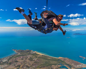 Skydiving Airlie Beach - Tandem Skydive UP TO 7,000ft SPECIAL OFFER!