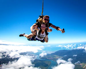 Skydiving Cairns City - Tandem Skydive Up To 6,000ft