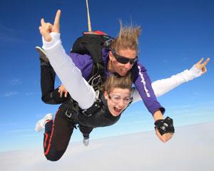 Skydiving Great Ocean Road (Torquay) - Tandem Skydive 15,000ft WEEKDAY SPECIAL