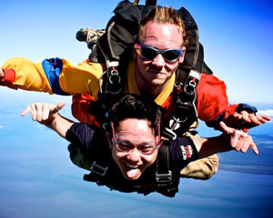 Skydiving South East Melbourne - Tandem Skydive 12,000ft WINTER SPECIAL